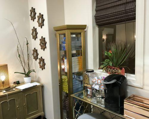 beauty salon for rent